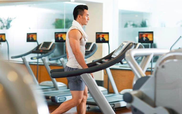 跑步机哪个牌子比较好?跑步机锻炼时有哪些注意事项?